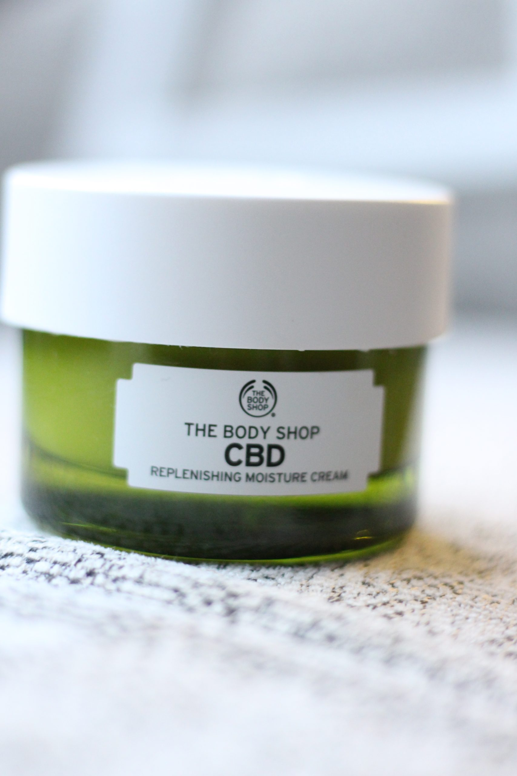 the body shop cbd moisturiser